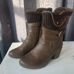 Mukluks Boots Brown Size 10